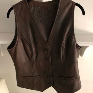 Leather CAbi vest size S - mint condition